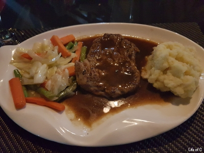 The Steak. 180g Fillet. around 14EUR. Yum Yum.