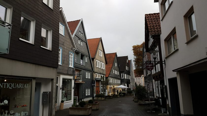Aren't these houses are super pretty?